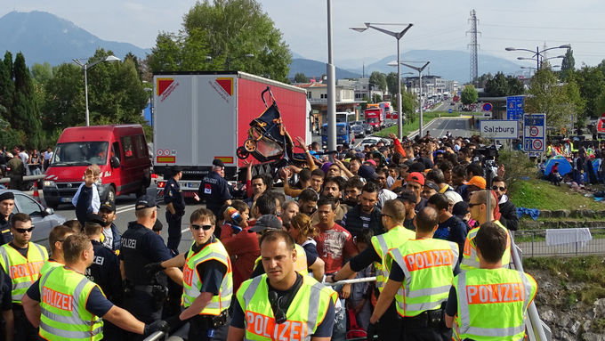 Austria: Refugees gather at border crossing in Salzburg