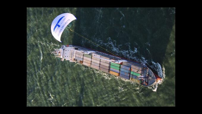 Cargill stattet Frachter mit Segel aus