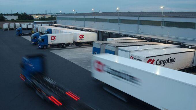 Cargoline, Lkw, Hub