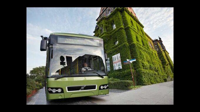 Der serielle Hybrid stößt 30 Prozent weniger Emissionen aus.