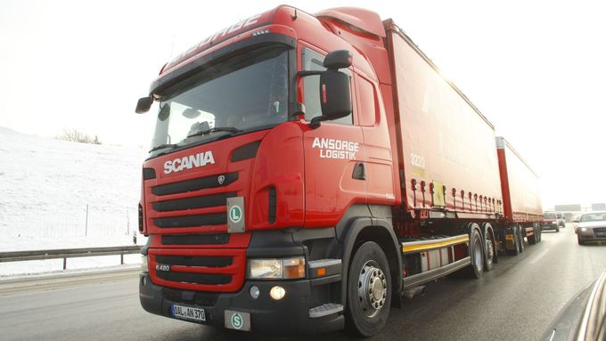 Lang-LKW bei Spedition Ansorge