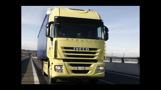 Schlepper greifen Lkw-Fahrer an