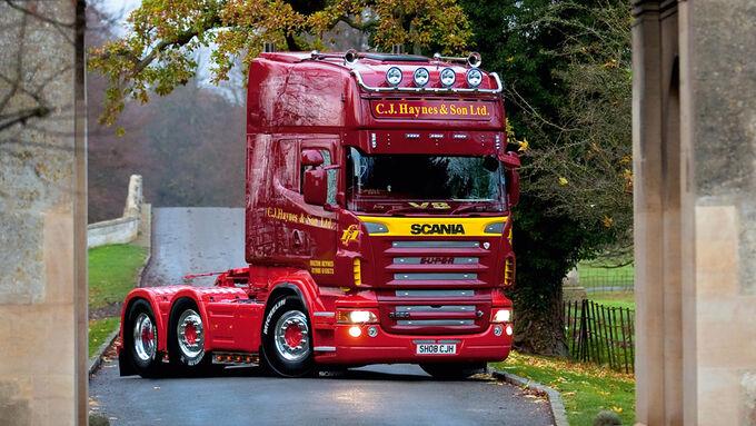 Supertruck FERNFAHRER 05-2011, Scania R 620 von Stuart Haynes aus England, Truck