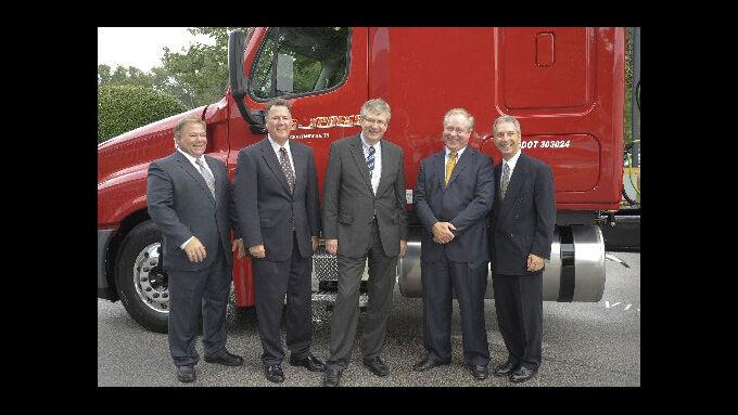U.S.Xpress erhält den 50.000sten Freightliner