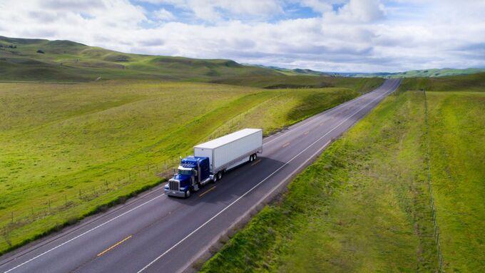 Uber Freight richtet sich an US-amerikanische Lkw-Fahrer und Unternehmen.