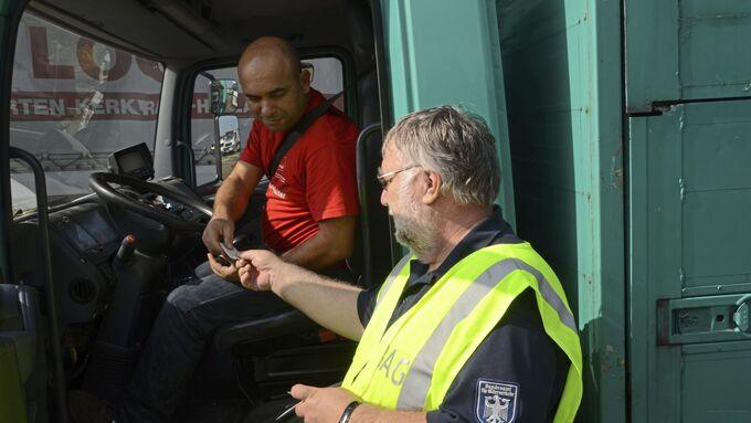 BAG Kontrolle Lkw-Fahrer