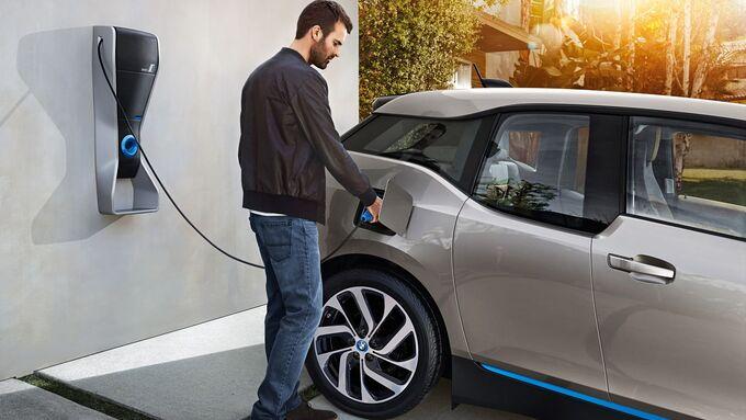 Bund beschließt Kaufprämie für E-Autos.