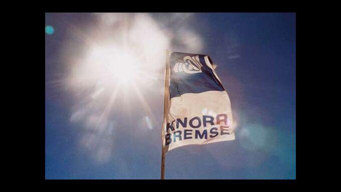 Fahne von Knorr-Bremse im Wind