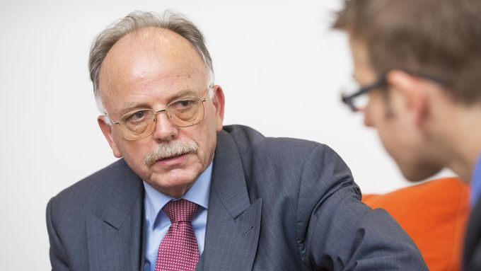 Interview Prof. Karl-Heinz Schmidt