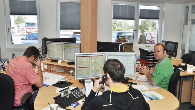 Mitarbeiter, Speditonsbüro