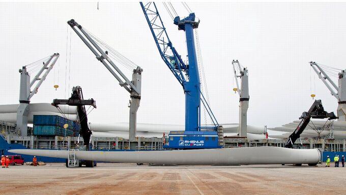 Rhenus, Windkrafträder, transport, Cuxport, Cuxhaven, 2012