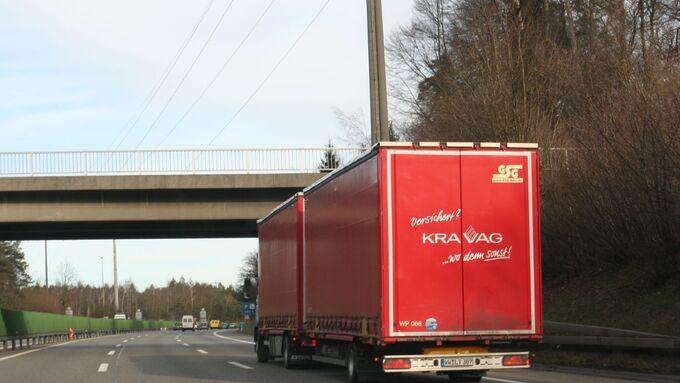 Sieger in Kategorie Nutzfahrzeugversicherung: Kravag, die von 29% der Teilnehmer eine Stimme bekamen, gefolgt von Allianz (27,1%) und Axa (14,4).