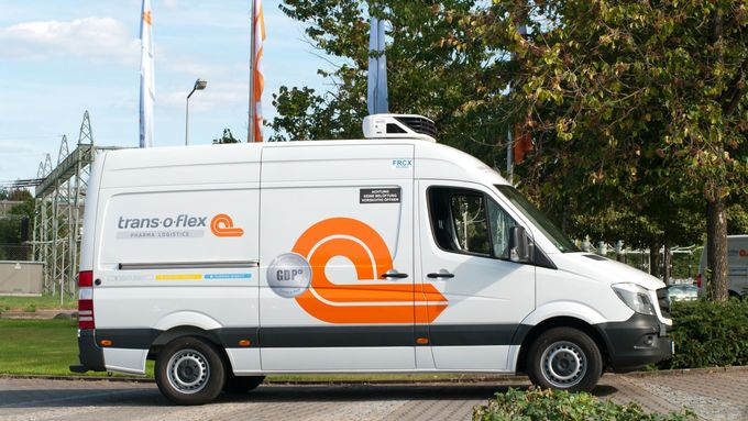 Trans-o-flex-Transporter im neuen Corporate Design