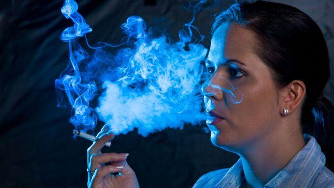 Zigarette, Rauch, Frau, Raucherin, Geruch, Gestank
